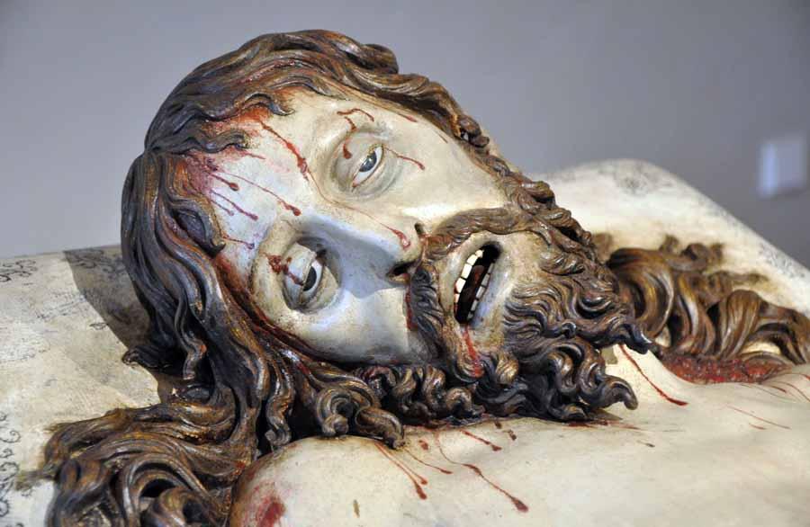http://www.lasalle.es/santanderapuntes/arte/barroco/escultura/espana/gregorio_fernandez_cristo_yacente_mnesc_vall_02.jpg